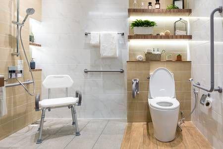 Adaptar el baño para personas mayores.